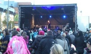 Livingstone Christmas Light switch on